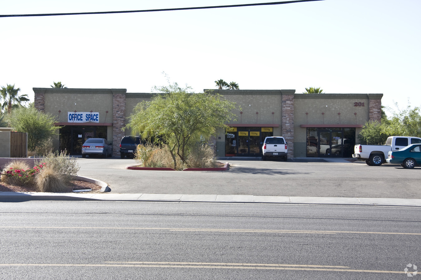 201 E Cottonwood Ln, Casa Grande AZ 85122 Office Building
