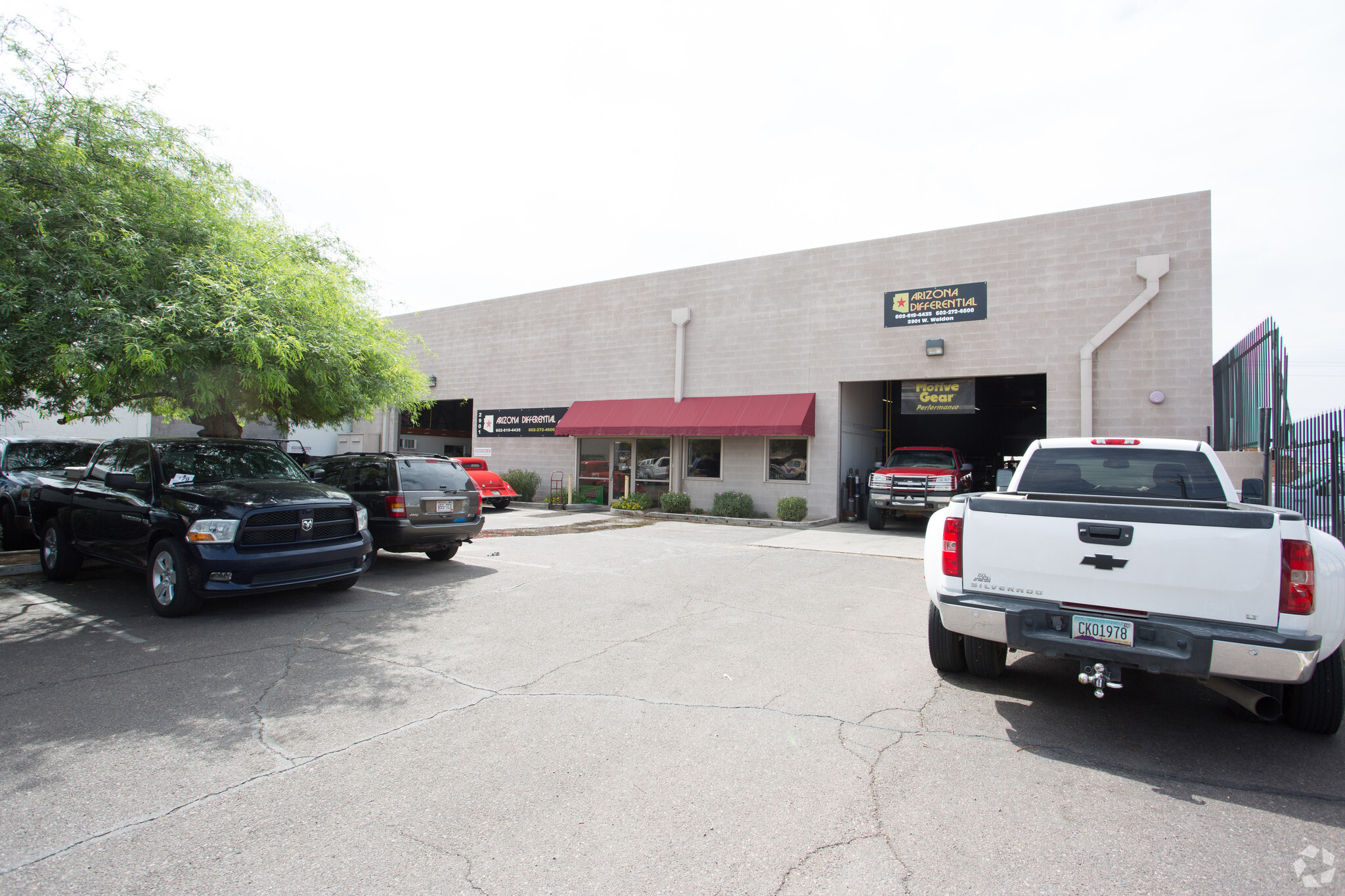 2901 W Weldon Ave, Phoenix AZ 85017 Industrial Building