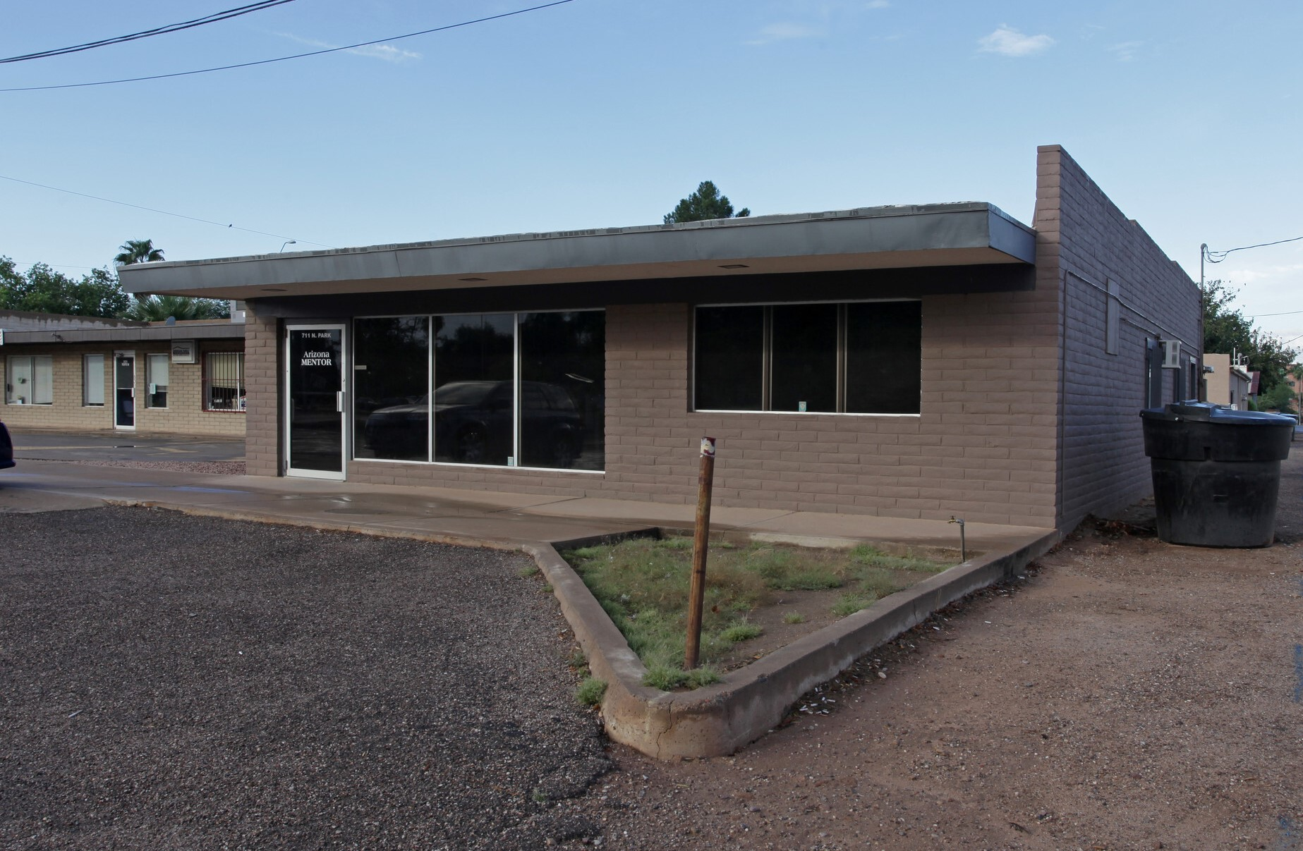 711 N Park Ave, Casa Grande AZ 85122 Office Building