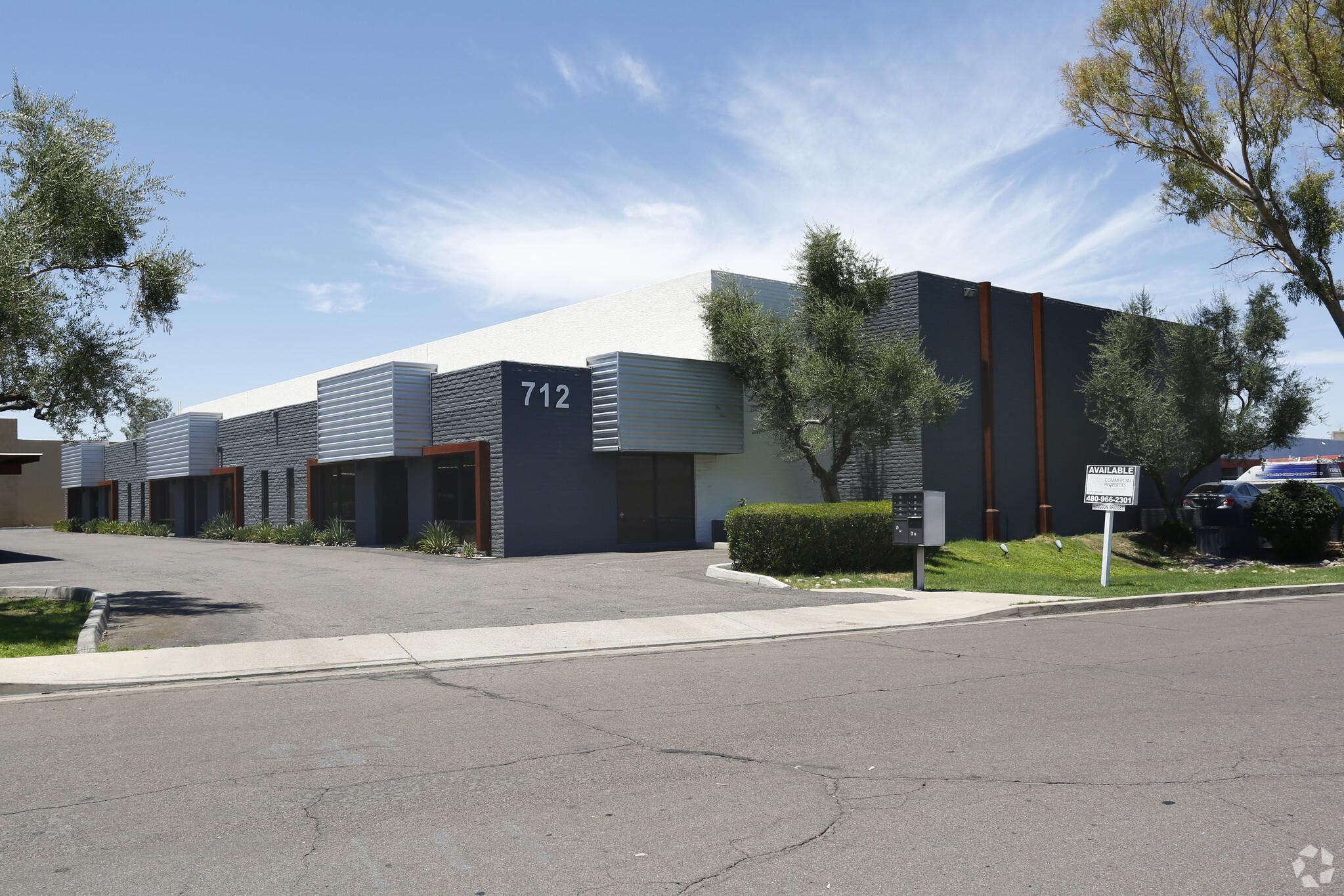 712 S Hacienda Dr, Tempe AZ 85281 Industrial Building